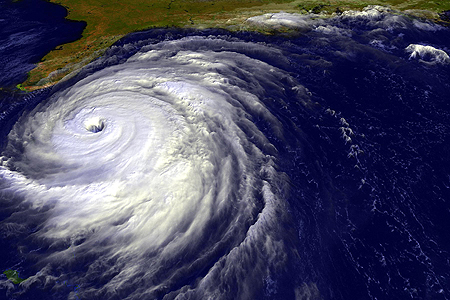 precautions-recommendations-cyclone-hurricane-01