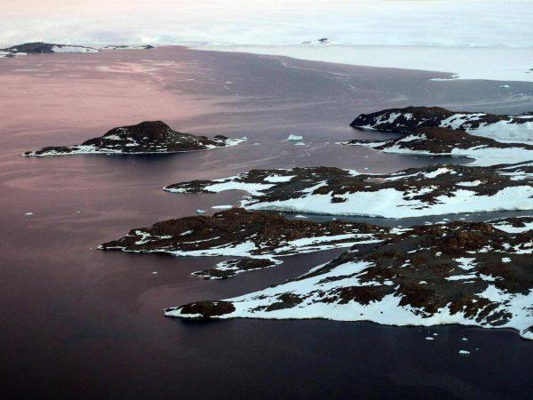 antarctica-sea-land